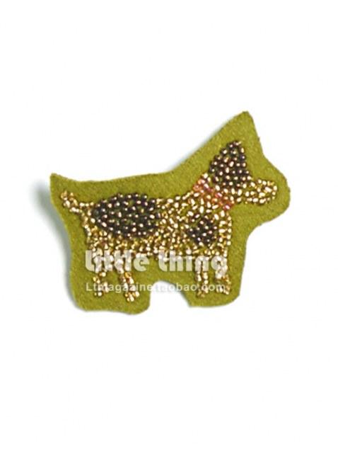 Unlogical Poem/ハロルドの犬 ハンドメイドビーズ刺繍のブローチピン